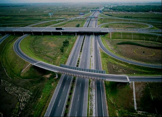 京福高速公路绿化工程――公司奠基之石